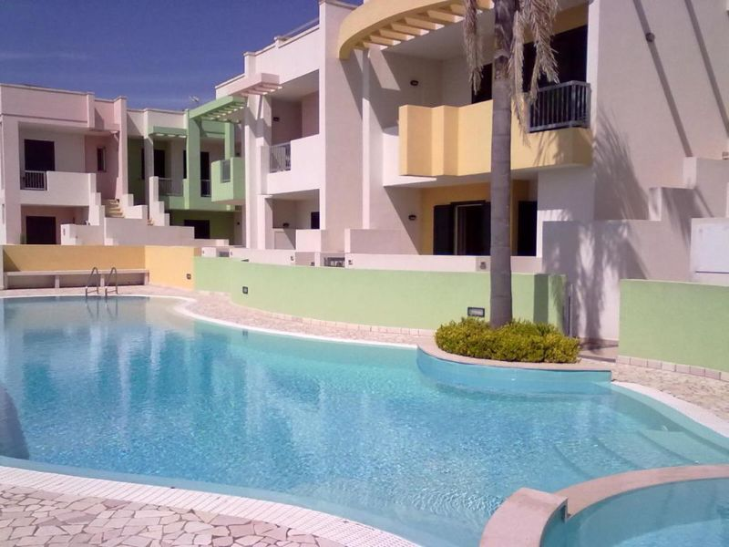 Ferienhaus in Residence mit Pool, nah am Meer