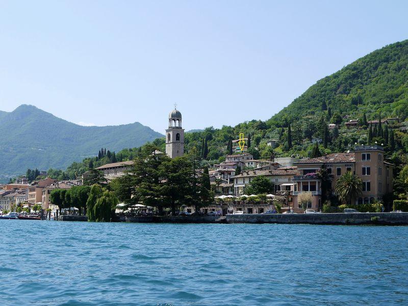 Ferienwohnung herrliche Dachterrassen Wohnung in Saló am Gardasee mieten