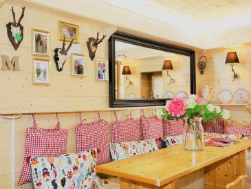 Ferienwohnung im Chalet Stil mit Berg-Blick