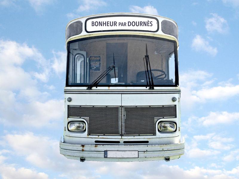 Ferienwohnung Château de Dournès: Der Bus – Urlaub einmal ganz anders