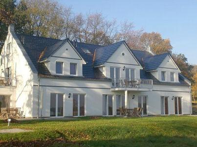in Villa Sovereign: im Erdgeschoss mit Sauna, Wellness-Card, Garten
