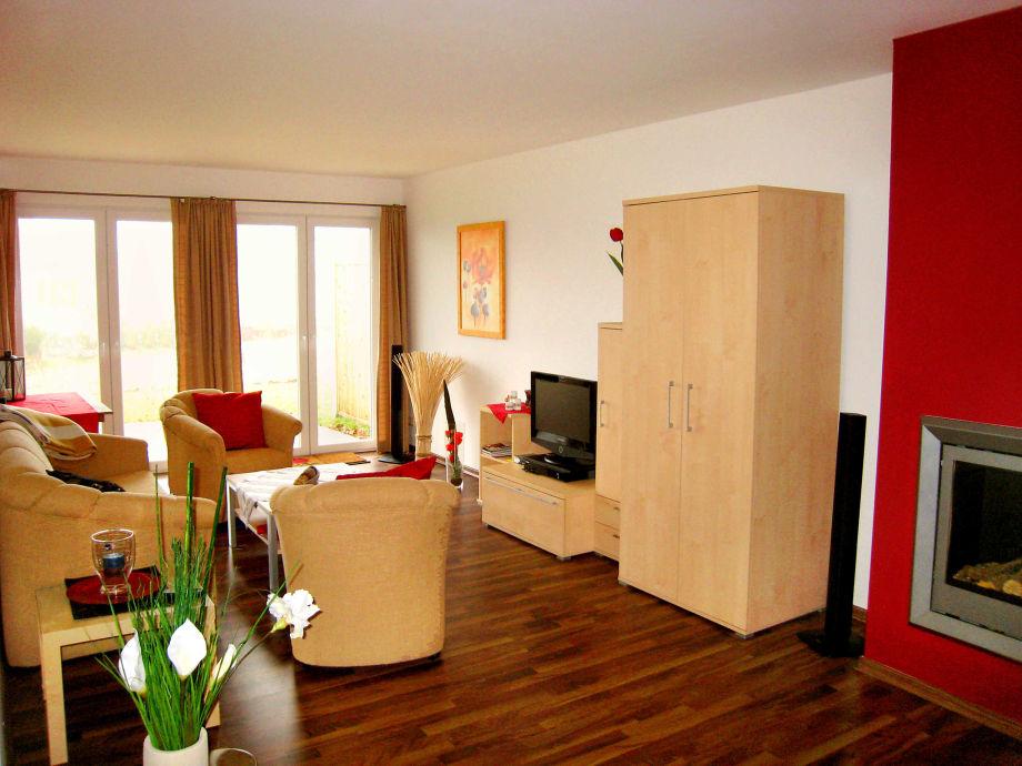 Wohnbereich mit TV & Gaskamin