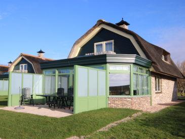 Villa De Witte Hoek mit Wintergarten Texel