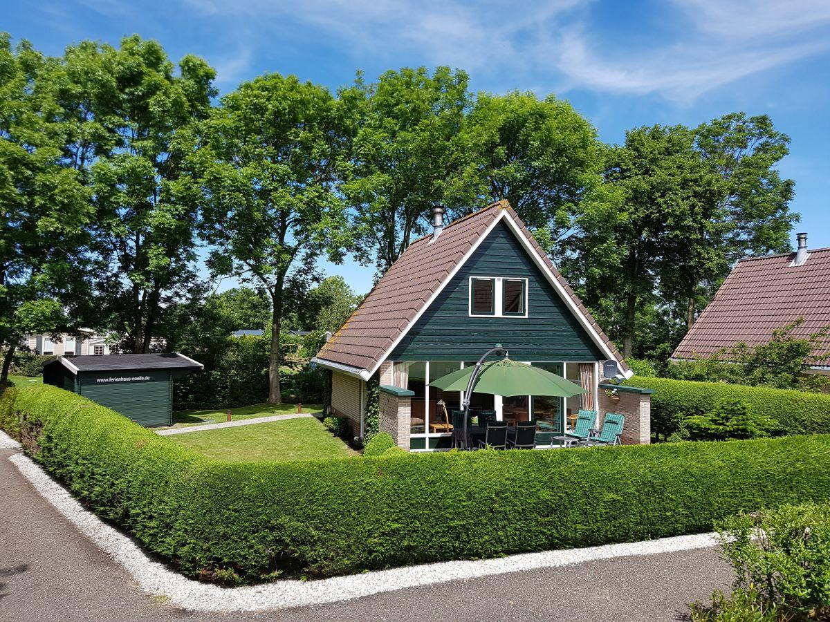 Gartenmobel Akazienholz Pflege : Das Grundstück Das Grundstück Die Terrasse mit KettlerGartenmöbel