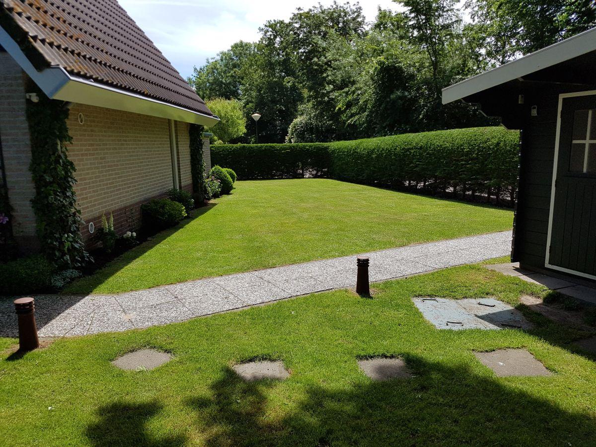 Das Grundstück Das Grundstück Die Terrasse mit KettlerGartenmöbel