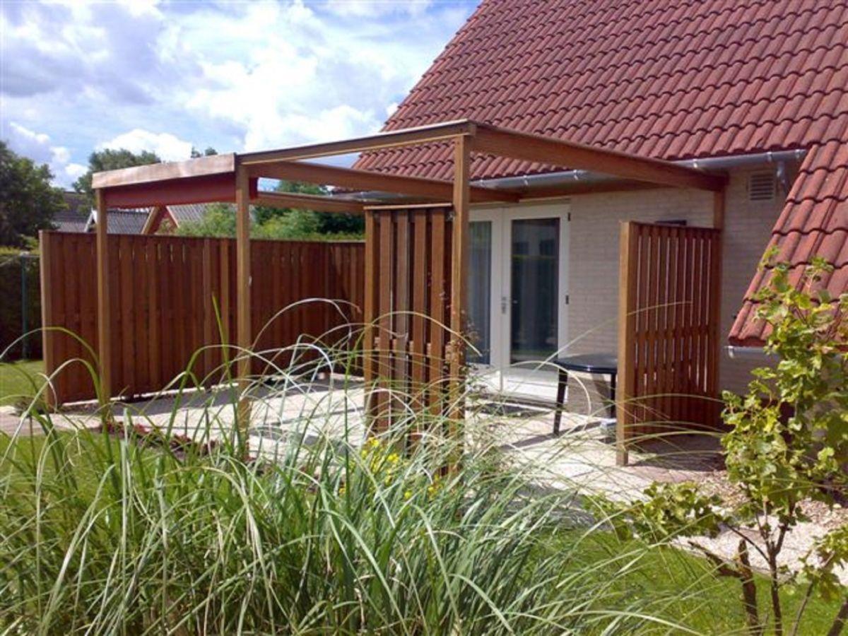 Ferienhaus Haus Flora Anjum Firma Alphaferienhaus V O Ffamilie Jeske