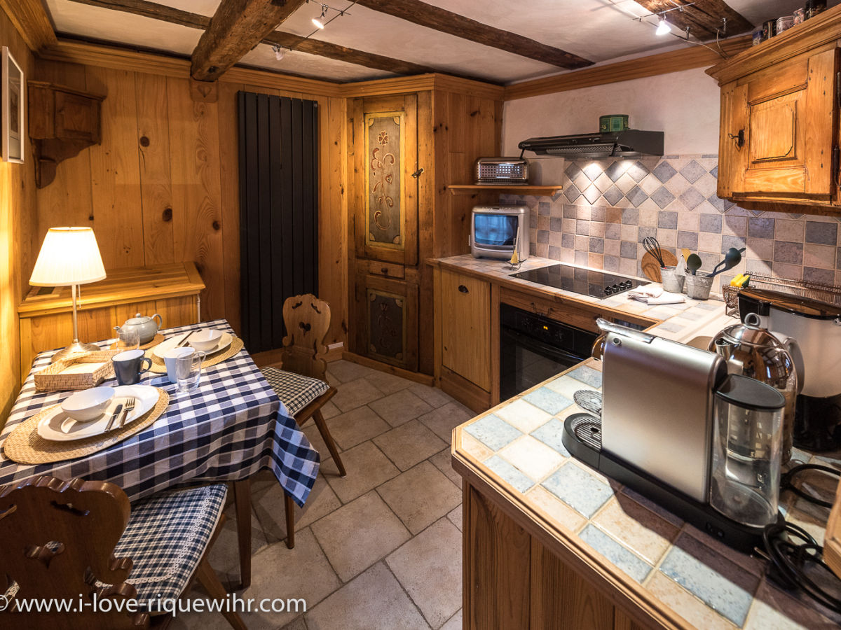 Ferienwohnung quotdie wachequot riquewihr bei colmar elsass for Komplette küche
