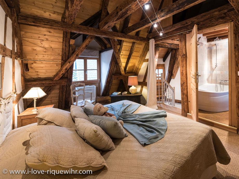 ferienwohnung die wache riquewihr bei colmar elsass. Black Bedroom Furniture Sets. Home Design Ideas