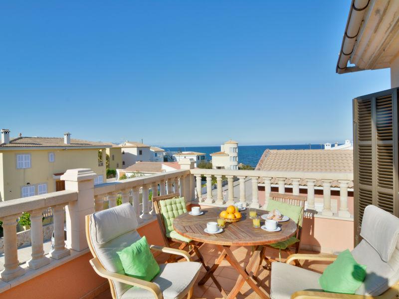 Ferienwohnung Son Serra Beach Apartment mit Meerblick und Terrasse