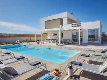 Villa Sariva, Private Pool and Beach at 50 mt
