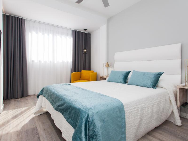 Ferienwohnung BristolSunsetBeach -Exklusiv Apartment mit Balkon