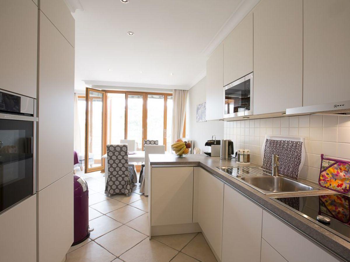 Apartment ferienappartement quotseeadlerquot timmendorfer strand for Ofen mit ceranfeld
