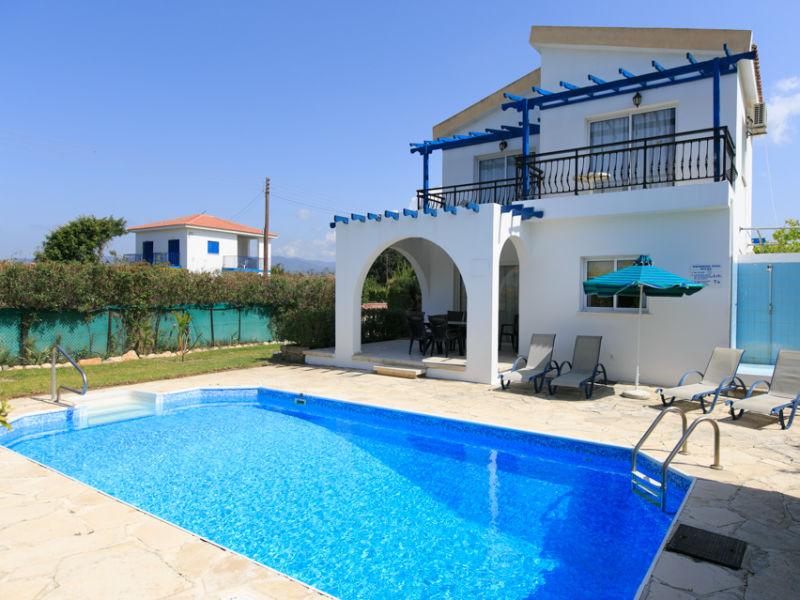 Sun Beach Villa Tria