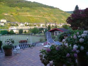Ferienwohnung mit großem Moselbalkon im Landhaus Vollrath