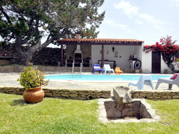 Villa Sintra Beach Retreat