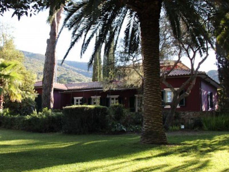 Luxuriöse Villa mit Pool nur 50m vom Strand entfernt