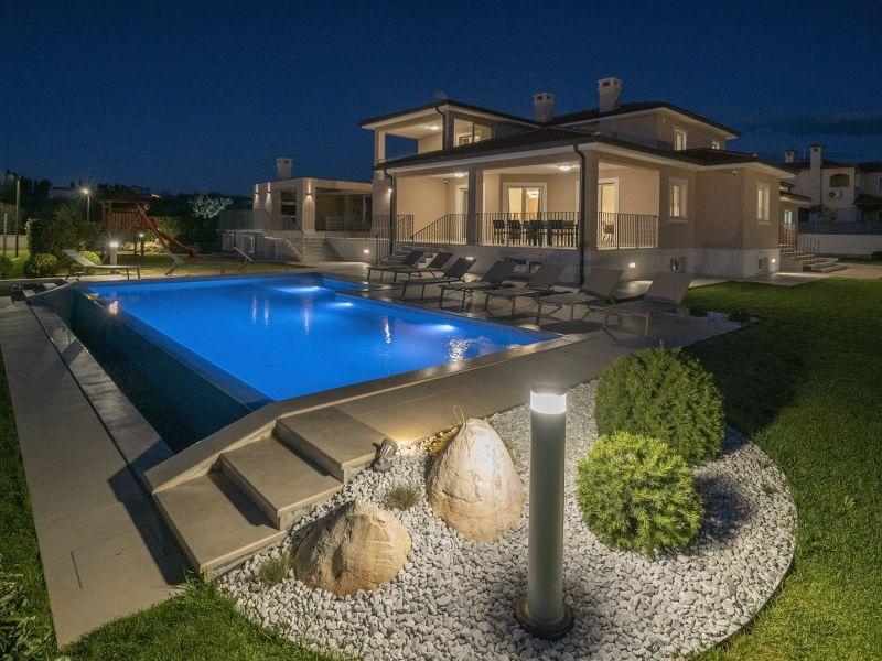 Beautiful Villa Silvia, in Istria, with a Pool