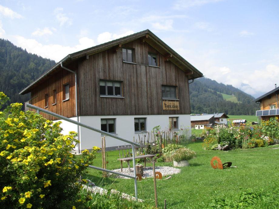 Unser Haus in Gräsalp mit Garten