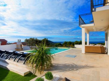 Villa Sky