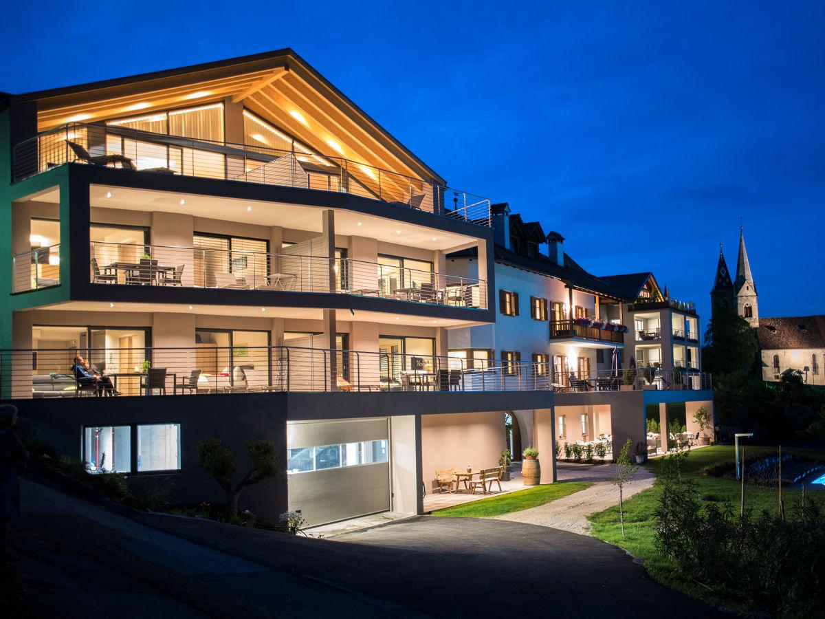 Apartment prunarhof turmwohnung design s dtirol for Designelemente wohnung