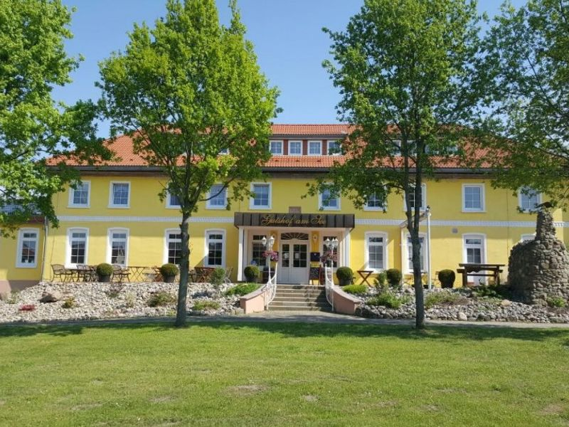 Ferienwohnung Sonnenschein - Gutshof am See