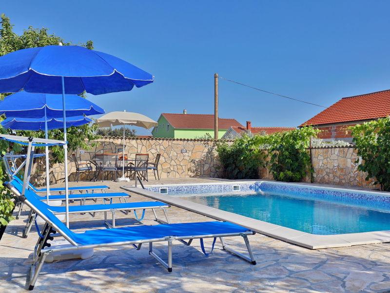 Ferienwohnung En-suite apartment with swimming pool