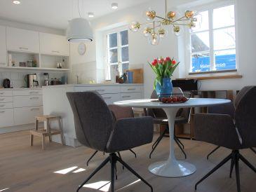 Ferienhaus Stilvolles Ambiente im malerischen Wyk-Boldixum + Mietwagen