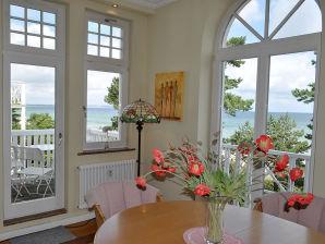 Holiday apartment White cliff- Villa Aegir