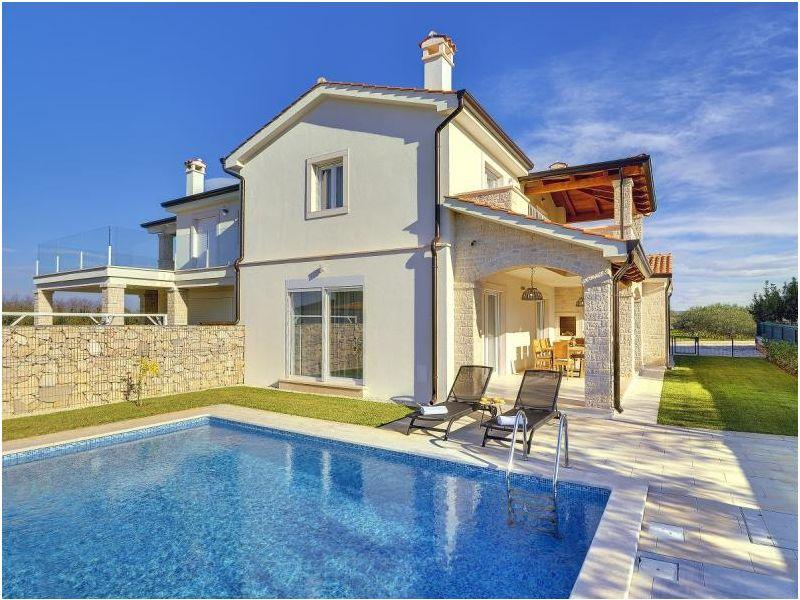 Villa 827