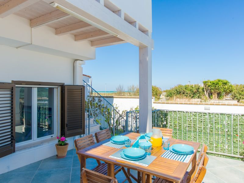 Ferienhaus Villa Laura - sea view 50 m sea