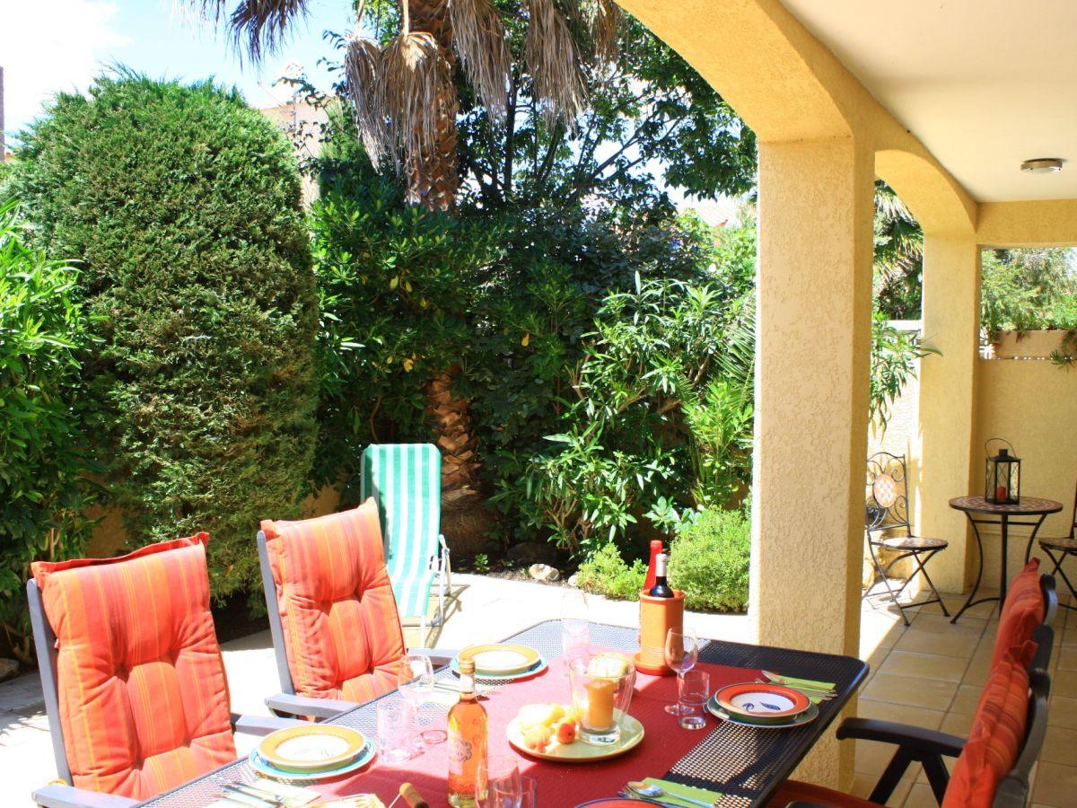 Ferienhaus maison du soleil gruissan familie nadja for Bepflanzung terrasse
