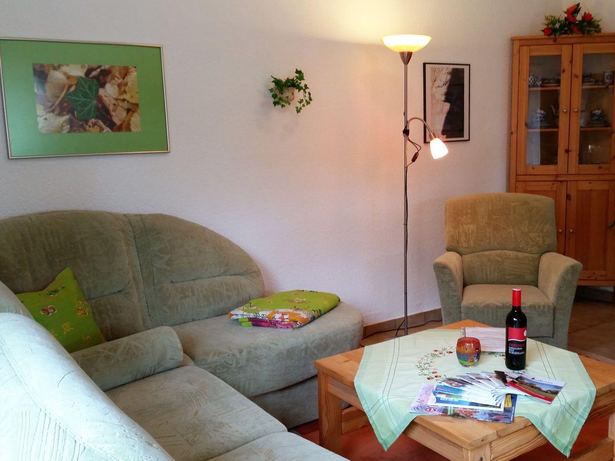 Oase nichtraucher ferienhaus hessisches bergland - Couchgarnitur wohnzimmer ...