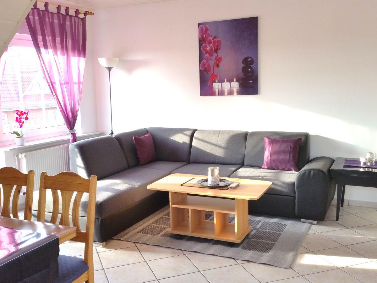 ferienwohnung nordlicht mit balkon im haus sonneneck norddeich firma haus sonneneck herr. Black Bedroom Furniture Sets. Home Design Ideas