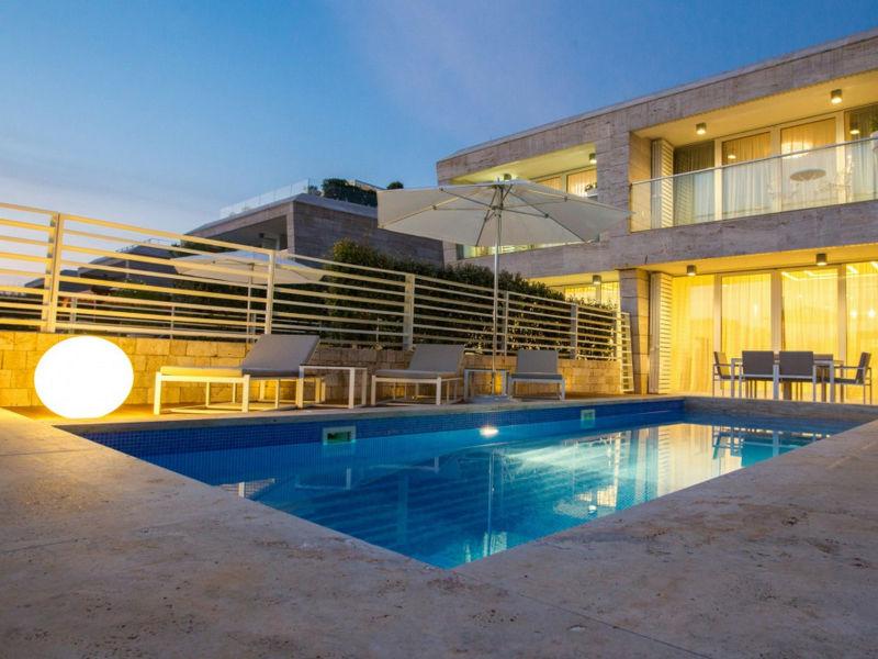 Modern Villa Calla, in Dalmatia, with a Pool
