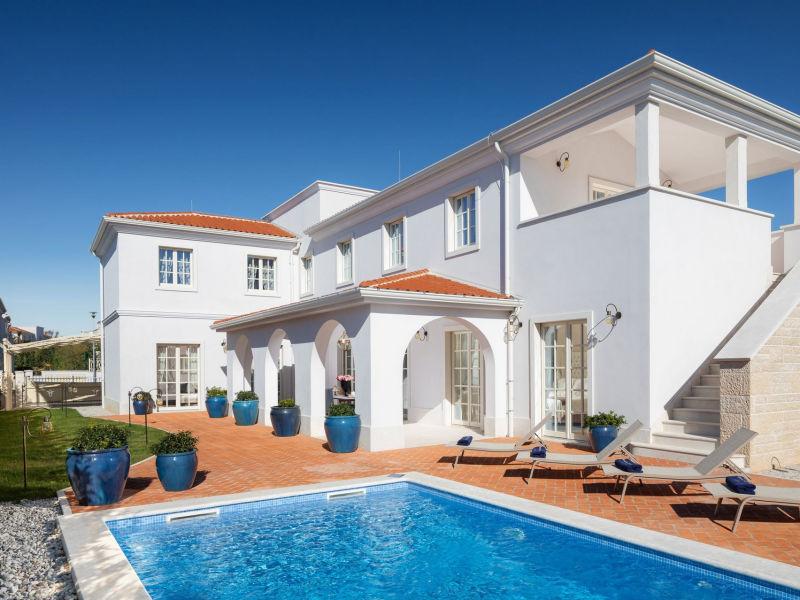Moderne Villa Cleo in Istrien mit Pool