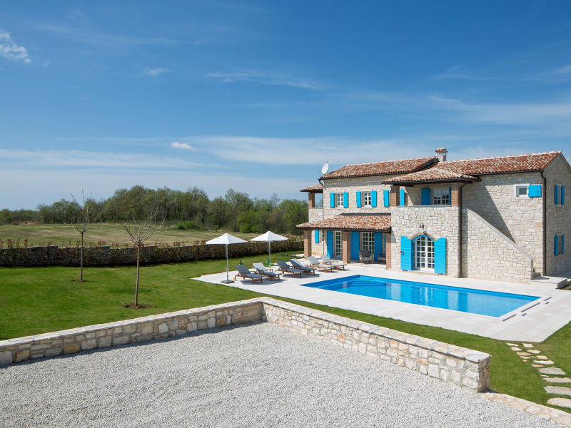 Stone Villa Amora, in Istria, with a Pool