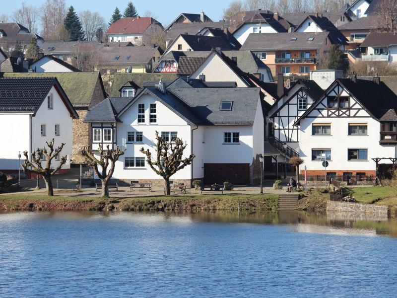 Ferienwohnung Maarblick (60 qm) direkt am Ulmener Maar