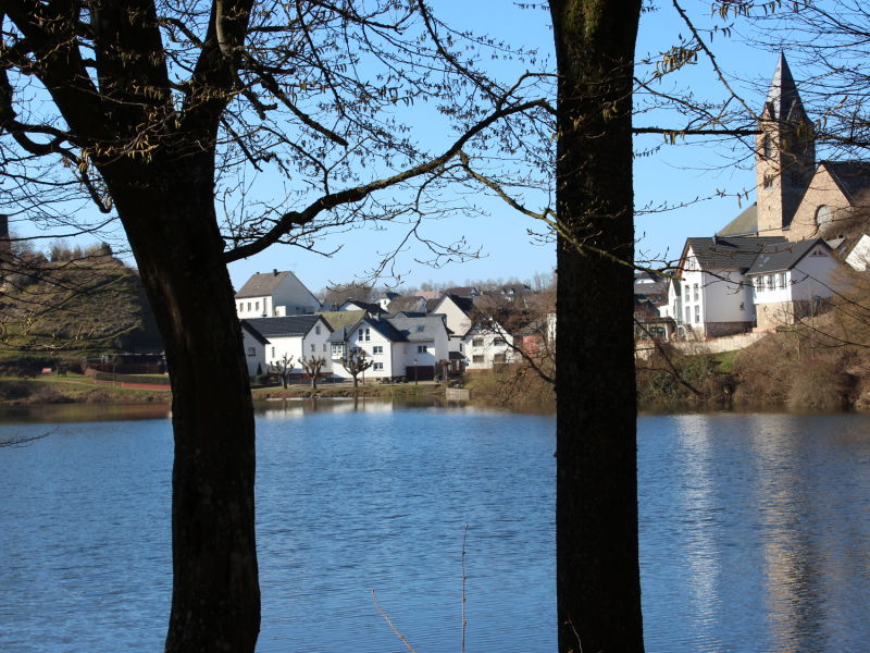 Holiday apartment Maarblick (160 sqm) situated directly on the Ulmener Maar