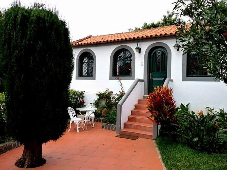 Separates Ferienhäuschen mit eigener Terrasse