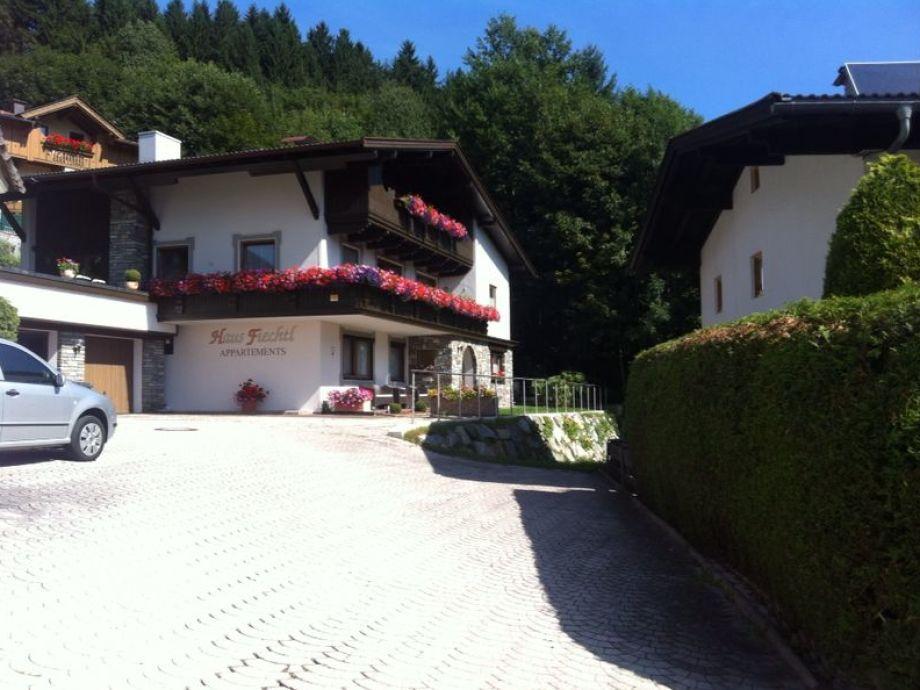 Hausansicht Appartement Fiechtl -Parkplätze vorhanden