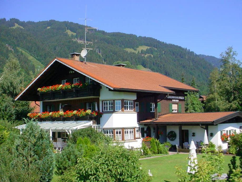Das Dreimädelhaus im Sommer