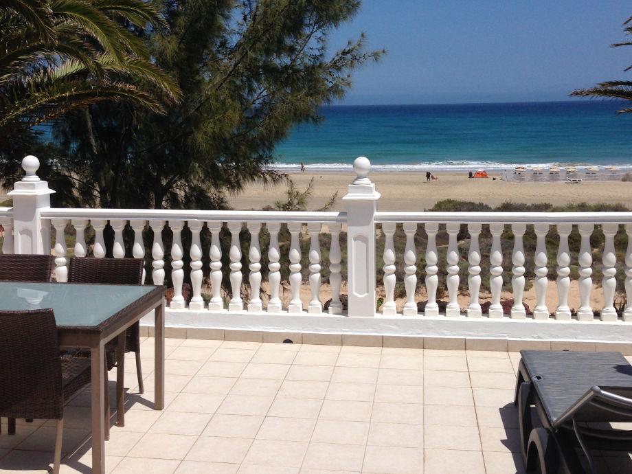 villa ein traum direkt am strand nr 1 costa calma frau barbara. Black Bedroom Furniture Sets. Home Design Ideas