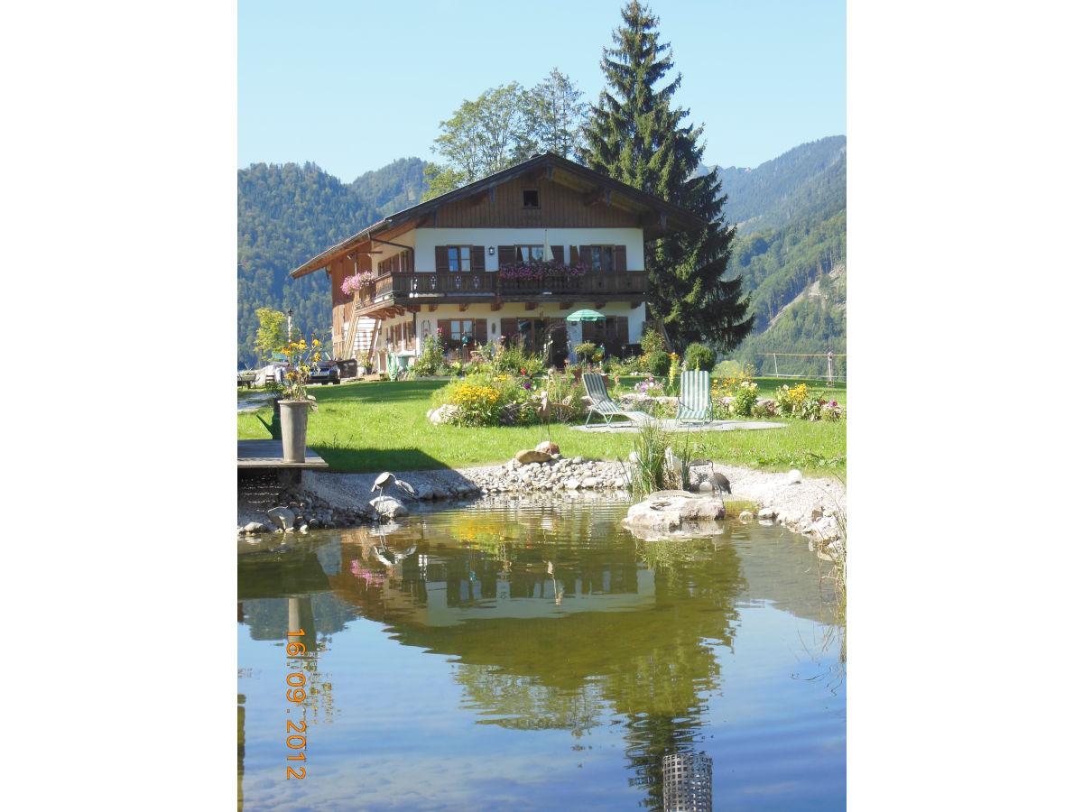 Ferienwohnung am eisenberg ruhpolding chiemgau frau for Haus mit garten