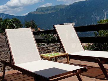 """Ferienhaus """"Casa Sira"""" mit Panoramablick auf den Gardasee"""