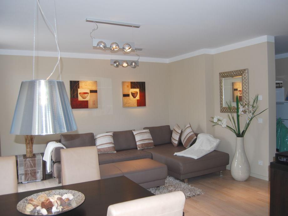 Wohnzimmer mit Essbereich für 4 - 6 Pers.