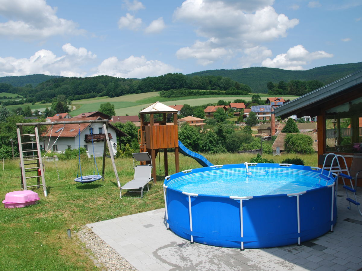 Ferienwohnung rosemarie bierl bayerische wald frau for Garten pool cham