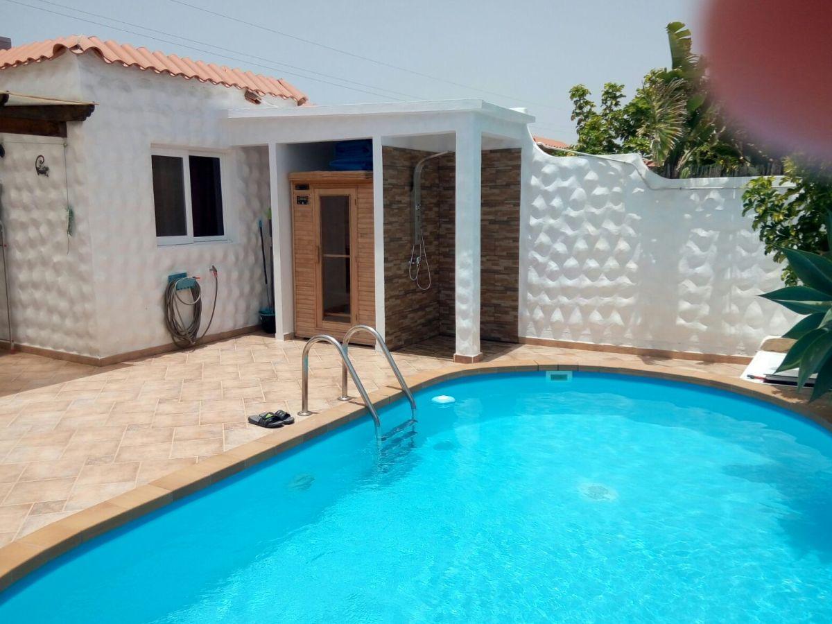 Chalet mit solarpool whirlpool sauna costa calma familie ig haass - Sauna whirlpool ...