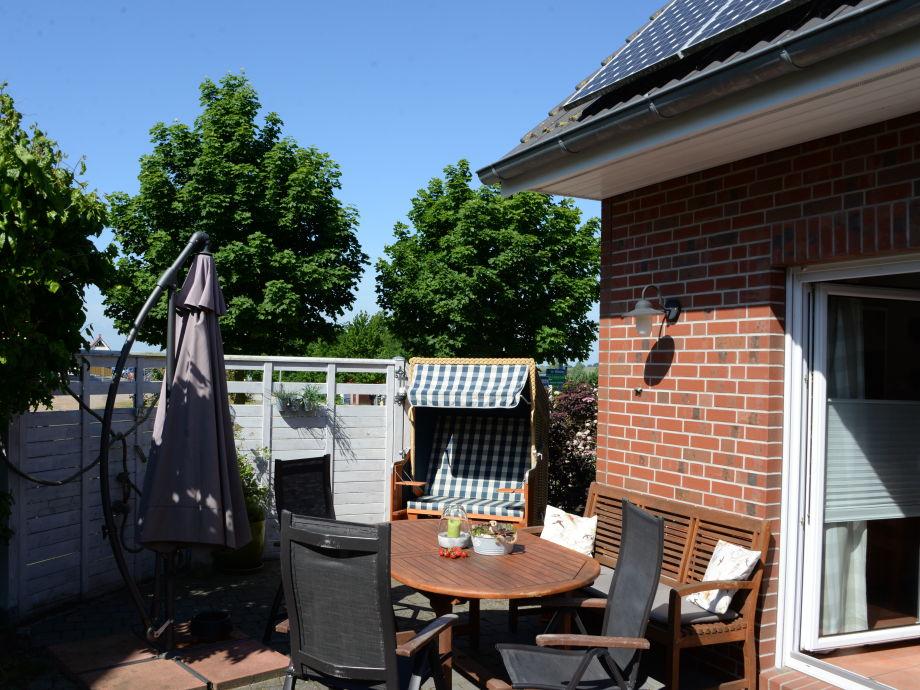 Terrasse - läuft um zwei Seiten des Hauses