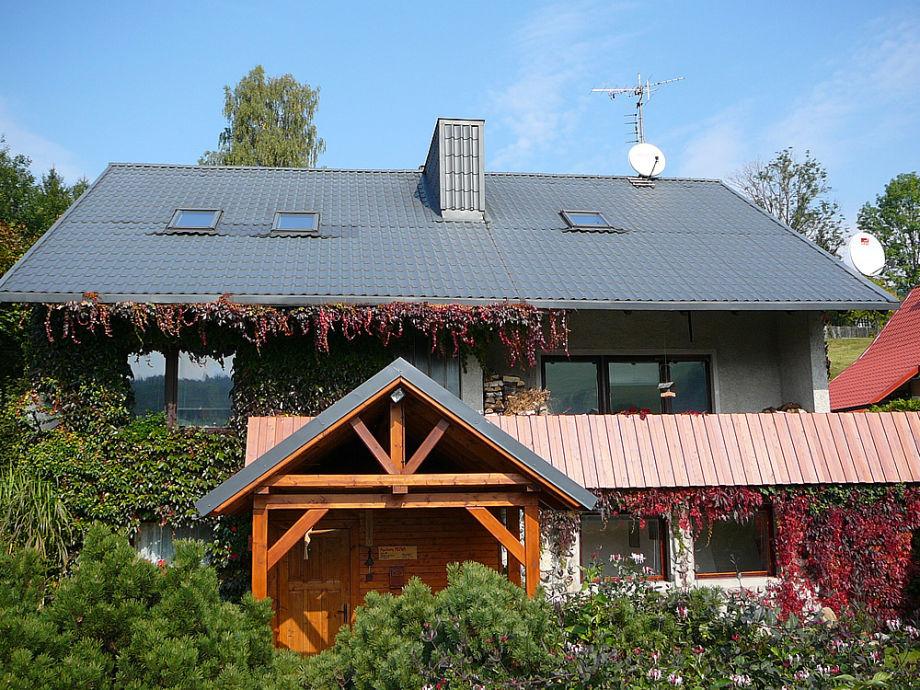 Außenansicht des Hauses mit der Ferienwohnung Hlava