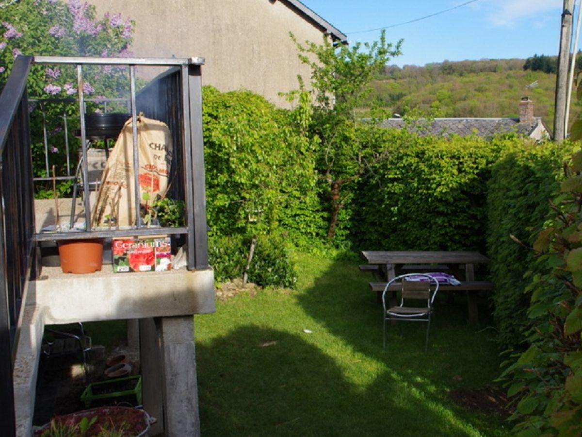 ferienhaus l 39 oiseau morvan ouroux familie riet und. Black Bedroom Furniture Sets. Home Design Ideas